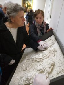 Mirella is touching Botticelli's Venus guided by Francesca's words